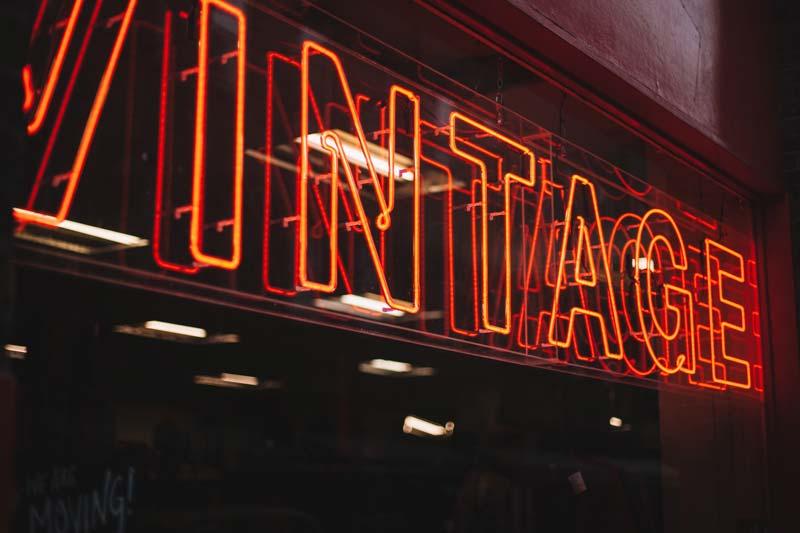 Vintage Neon Schrift vild Hamburg
