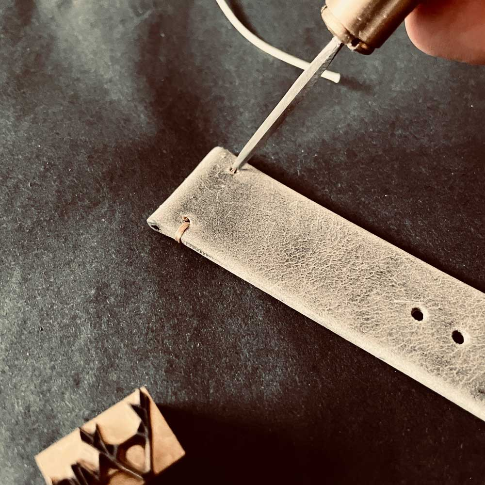vild vintage leather strap for wristwatches in manufacture